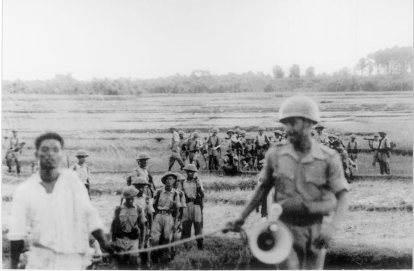 Police raid at Naxalbari, 1967