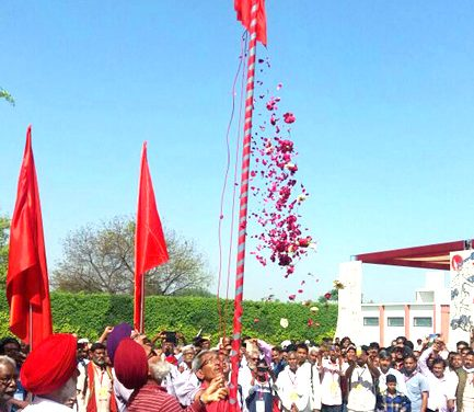 Tributes paid to martyrs and departed leaders at the 10th Congress of CPI(ML)